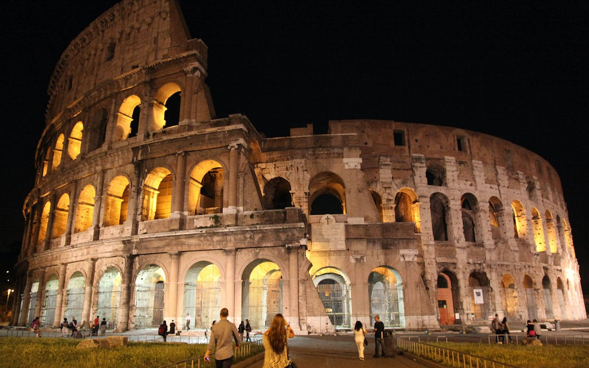 colosseum evening tour with underground, arena floor & roman forum-1