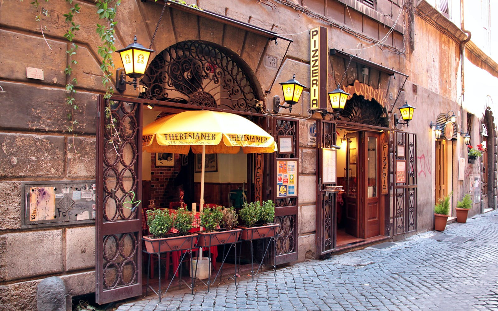 trastevere and rome's jewish ghetto half-day walking tour-3