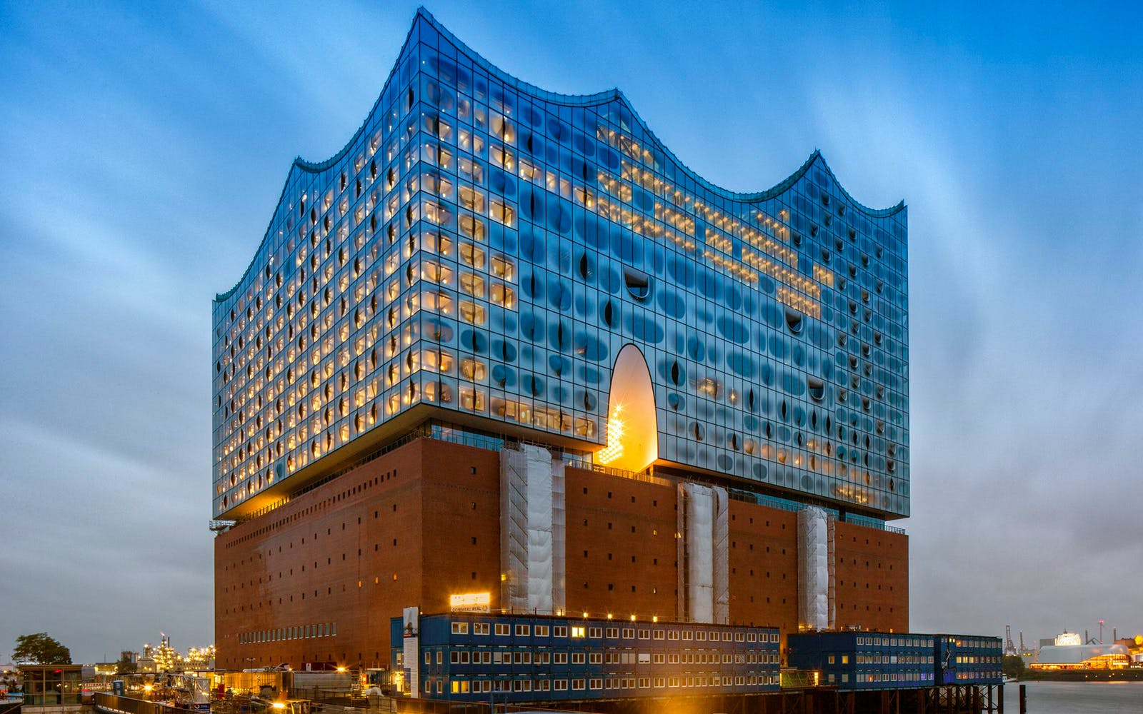 Skip the Line - Guided Tour of Elbphilharmonie
