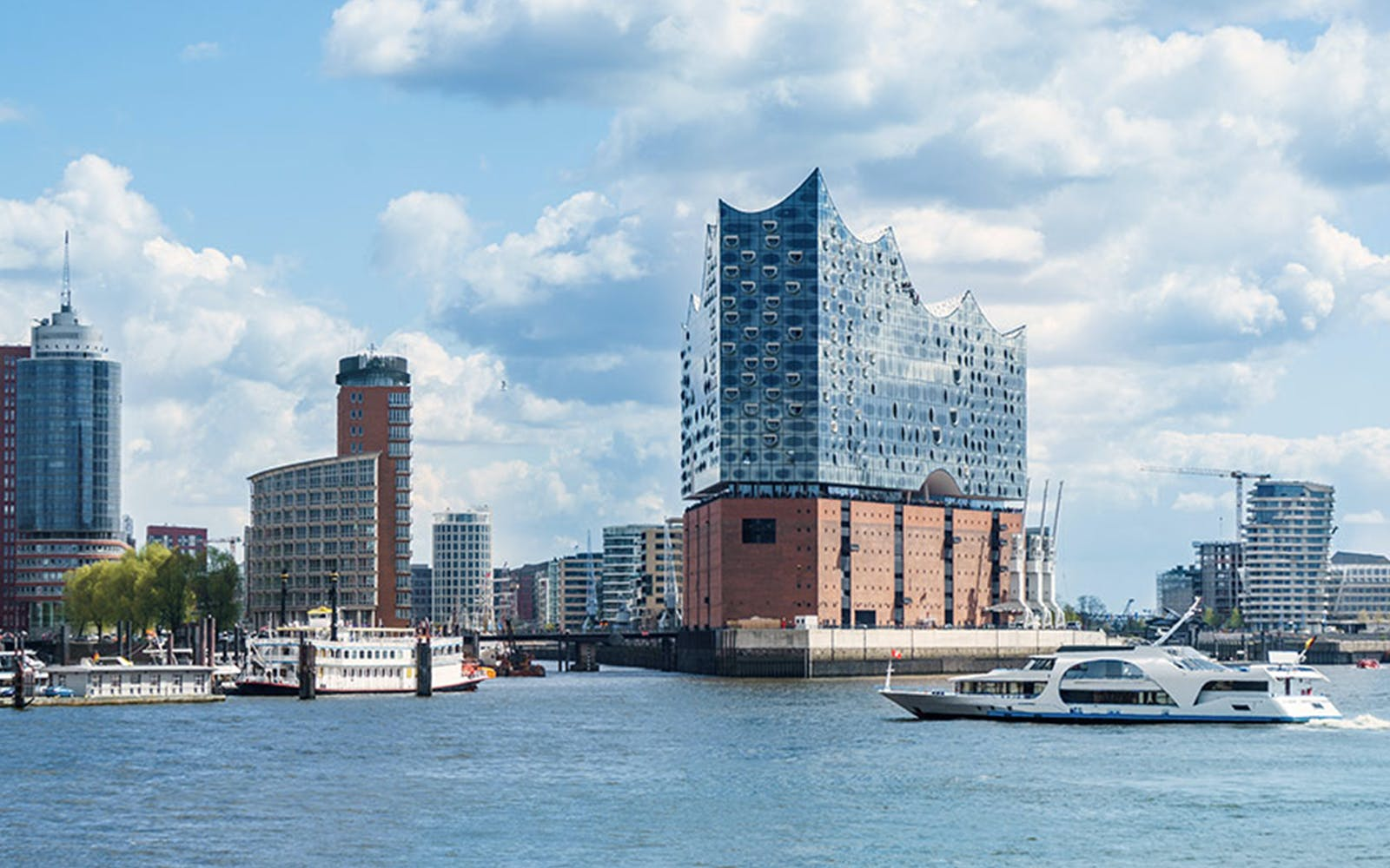2 In 1 Combo: Harbor Cruise + Elbphilharmonie Guided Tour