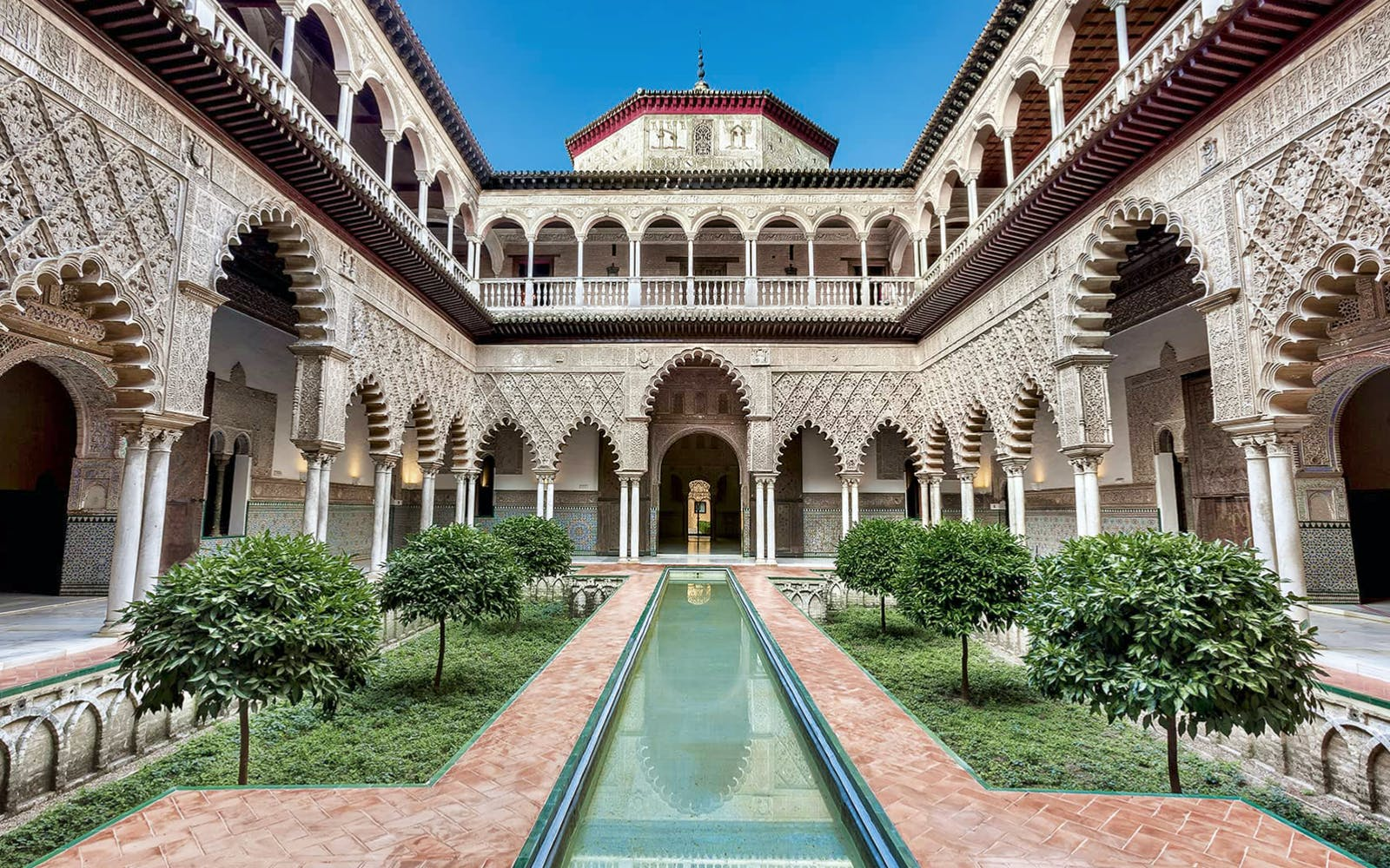 fast track guided tour to alcazar of seville-2