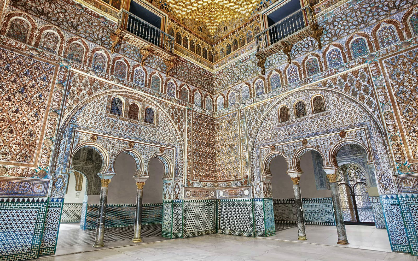 Fast Track Guided Tour to Alcazar of Seville