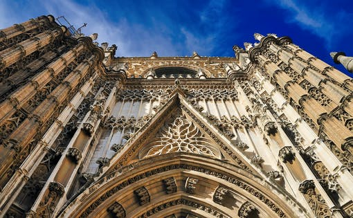 Skip the Line Guided Tour to Cathedral & Giralda Towers
