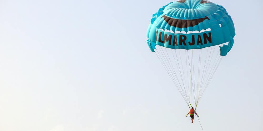 Water sports in Dubai - parasailing