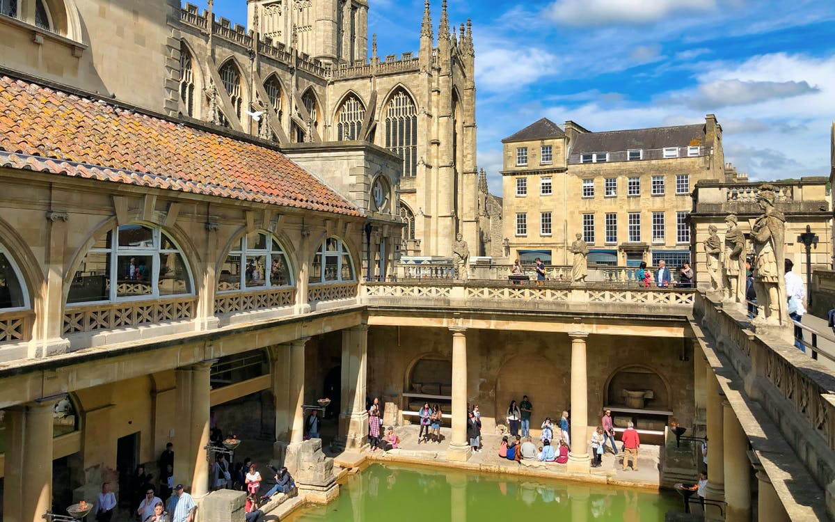 windsor castle, stonehenge and bath with access to roman bath-1