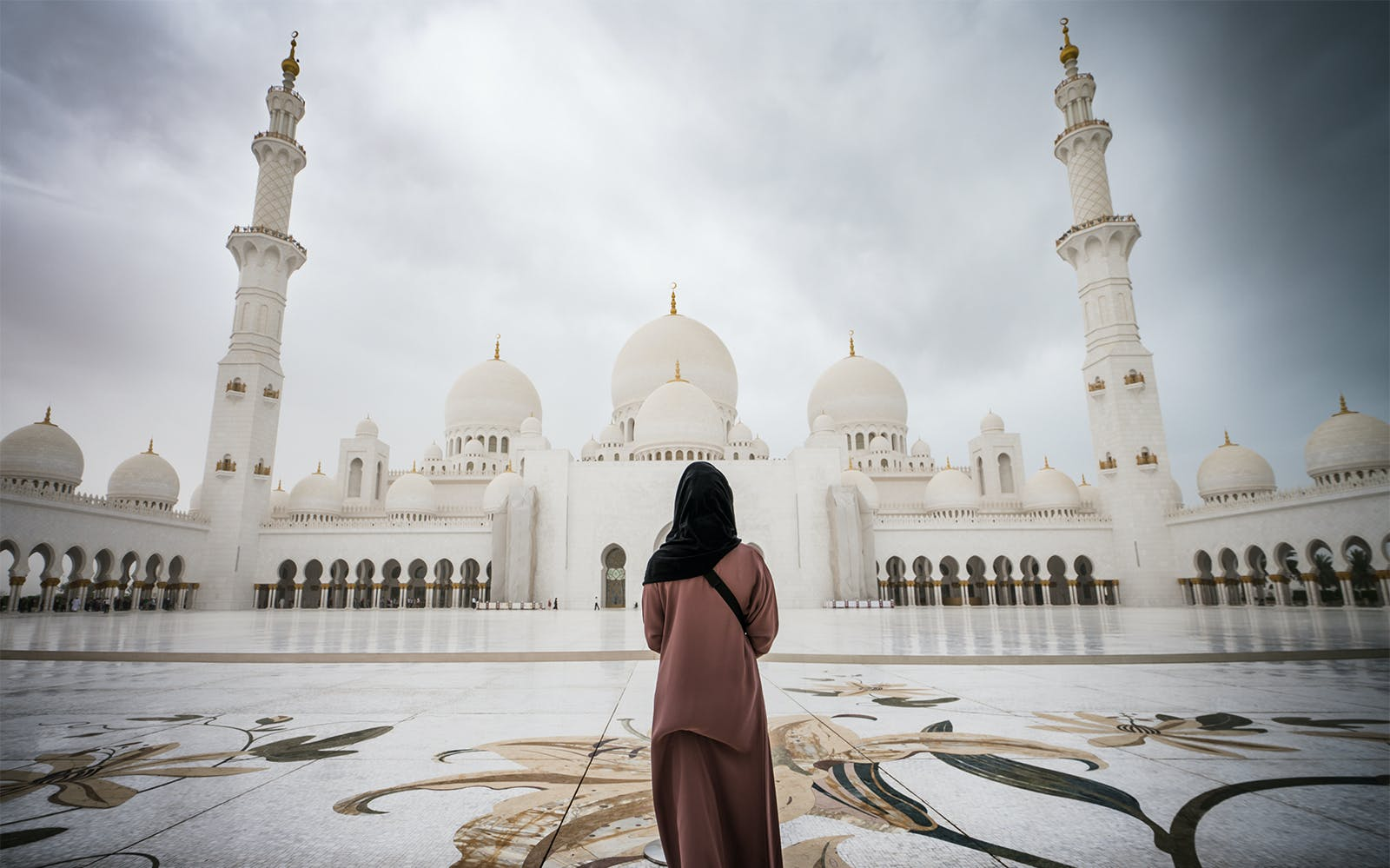 sheikh zayed grand mosque with fast track entrance with guided tour-1
