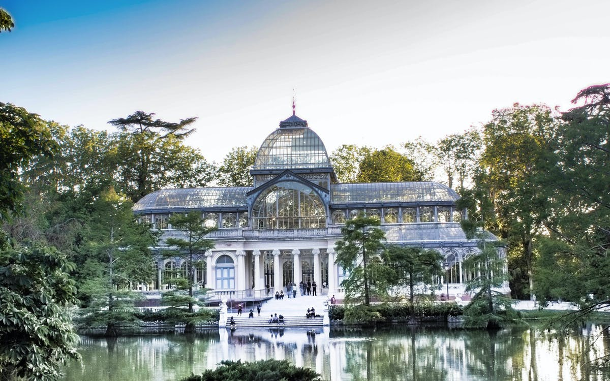 madrid's royal palace and el retiro park guided tour-1
