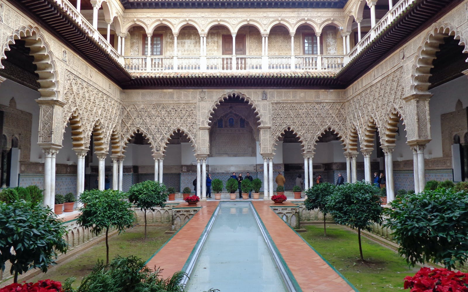 skip the line guided tour to alcázar of seville-1