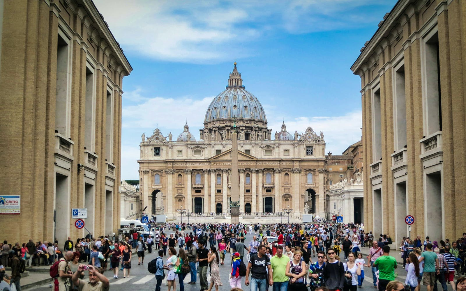 Fast Track: St.Peter's Basilica Self Guided Tour with Rome City Guide