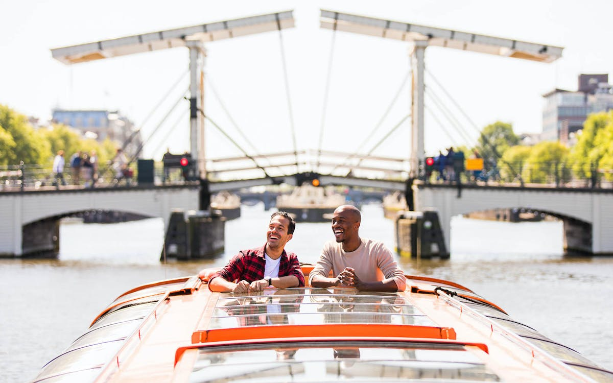 lovers: 1 hour amsterdam canal cruise with audio guide-1