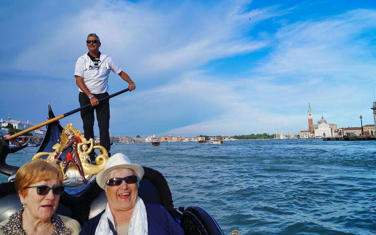 venice gondola ride with audio-guide-1