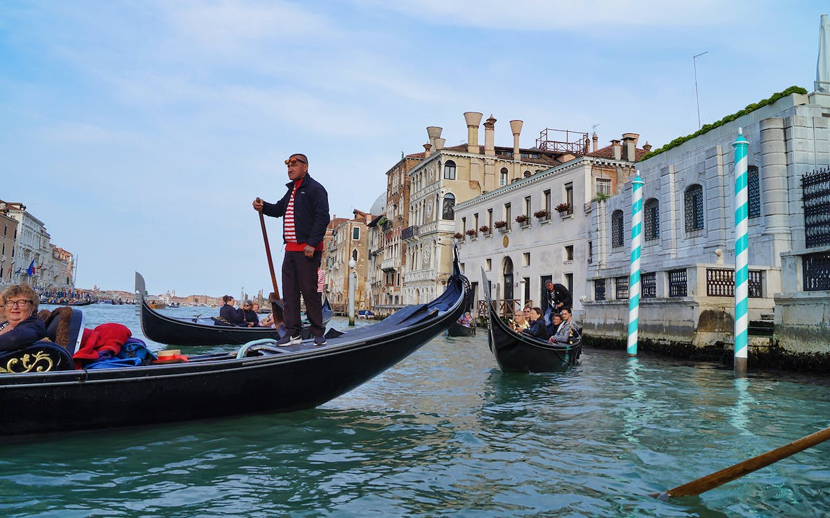 skip the line doge's palace entry and guide book with gondola-4