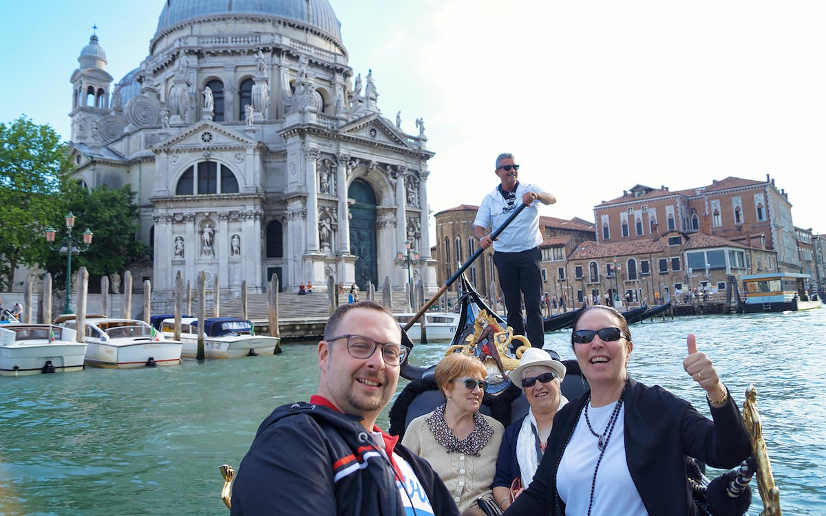 skip the line st. mark's basilica guided tour with gondola ride-2