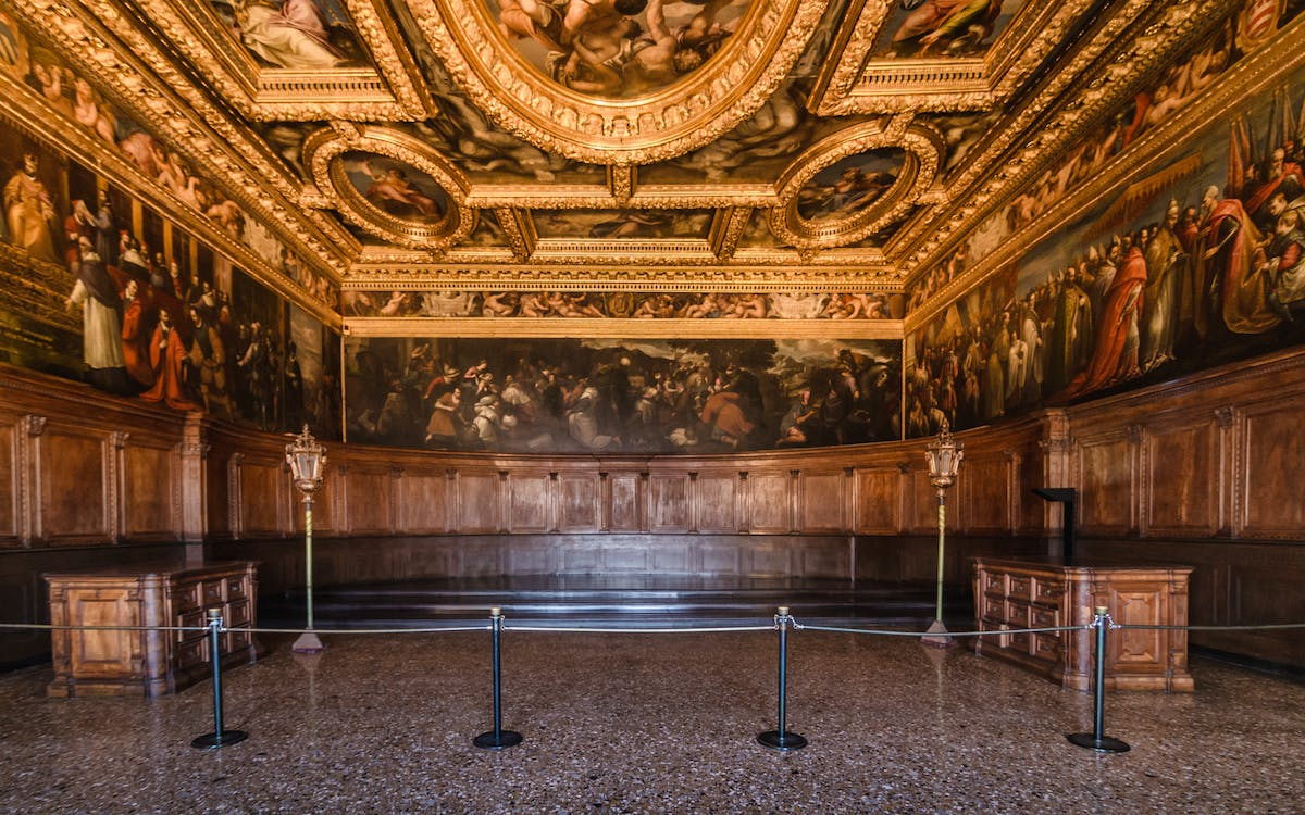 guided tour of the doge's palace + the royal palaces-0