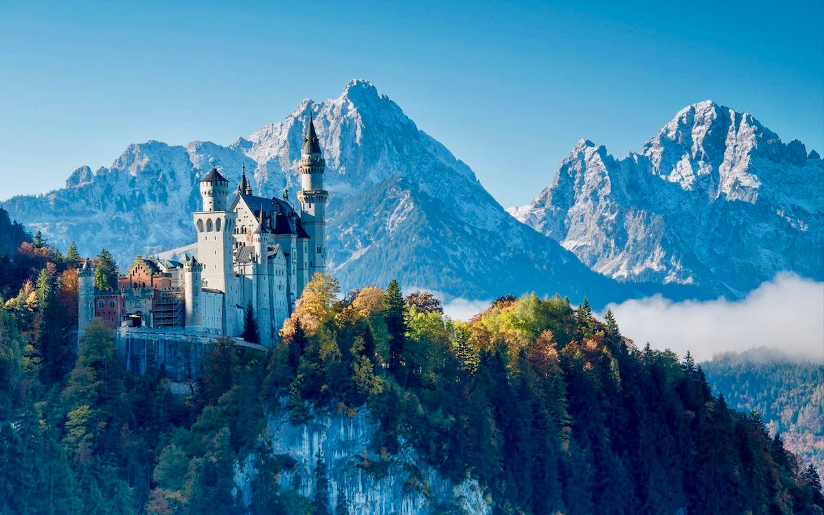 neuschwanstein castle tour and transfers from munich-1