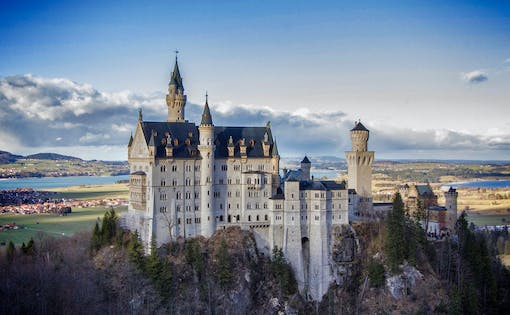 Neuschwanstein, Linderhof Royal Castle & Oberammergau Tour From Munich