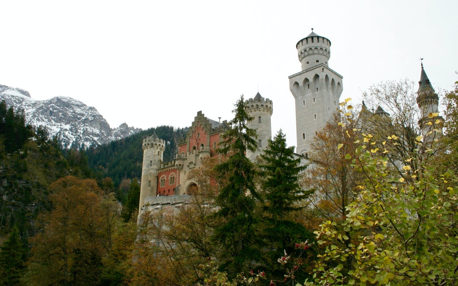 neuschwanstein, linderhof royal castle & oberammergau tour from munich-4