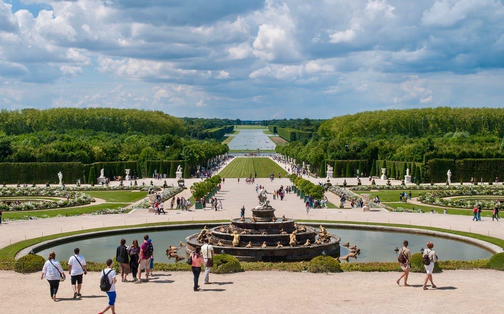 skip the line: versailles palace & gardens guided tour from paris-3