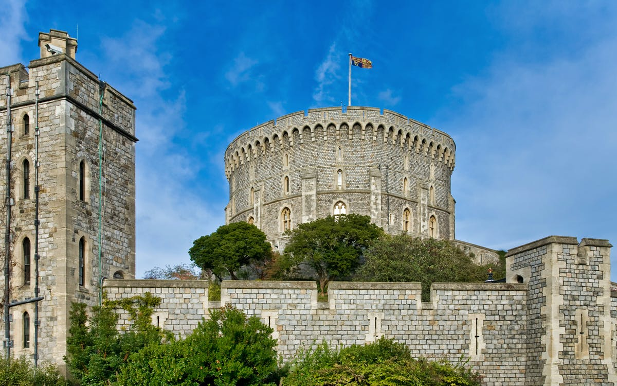 windsor castle, stonehenge and bath tour from london-2
