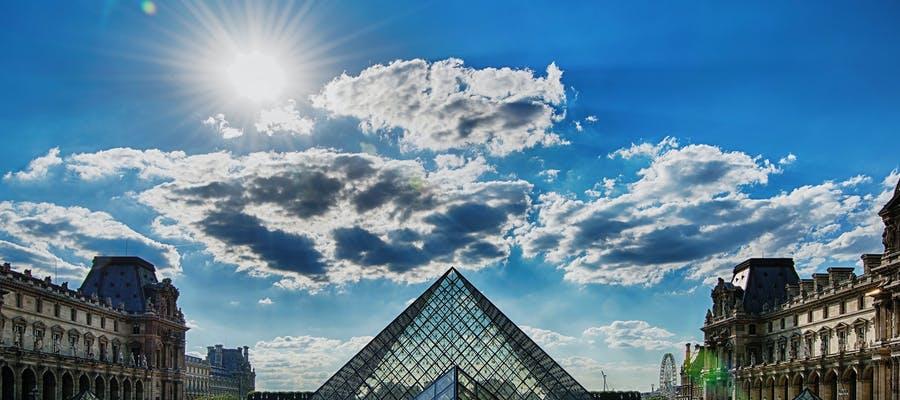 paris in january - louvre museum