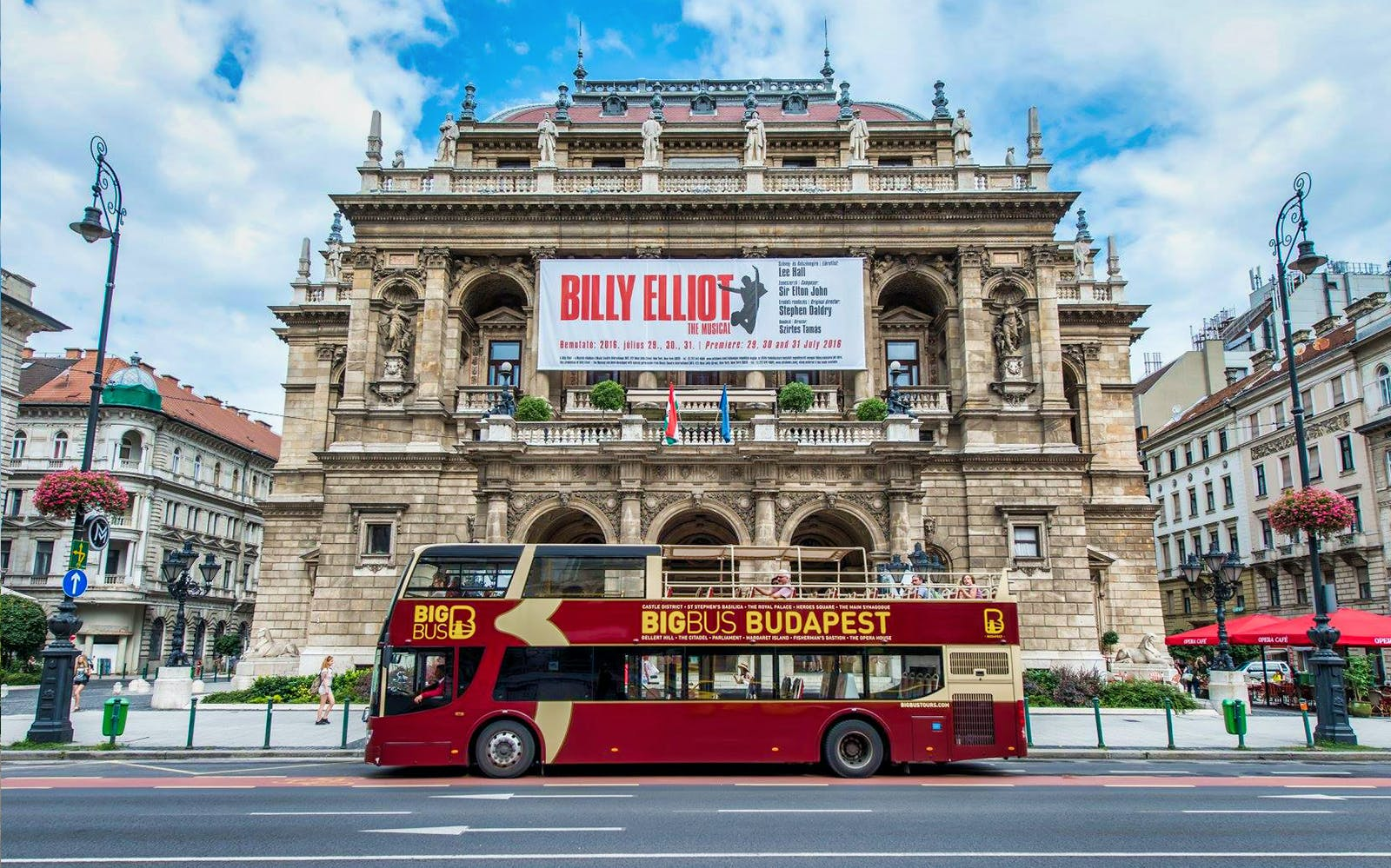 Budapest: Hop-On Hop-Off Deluxe Ticket