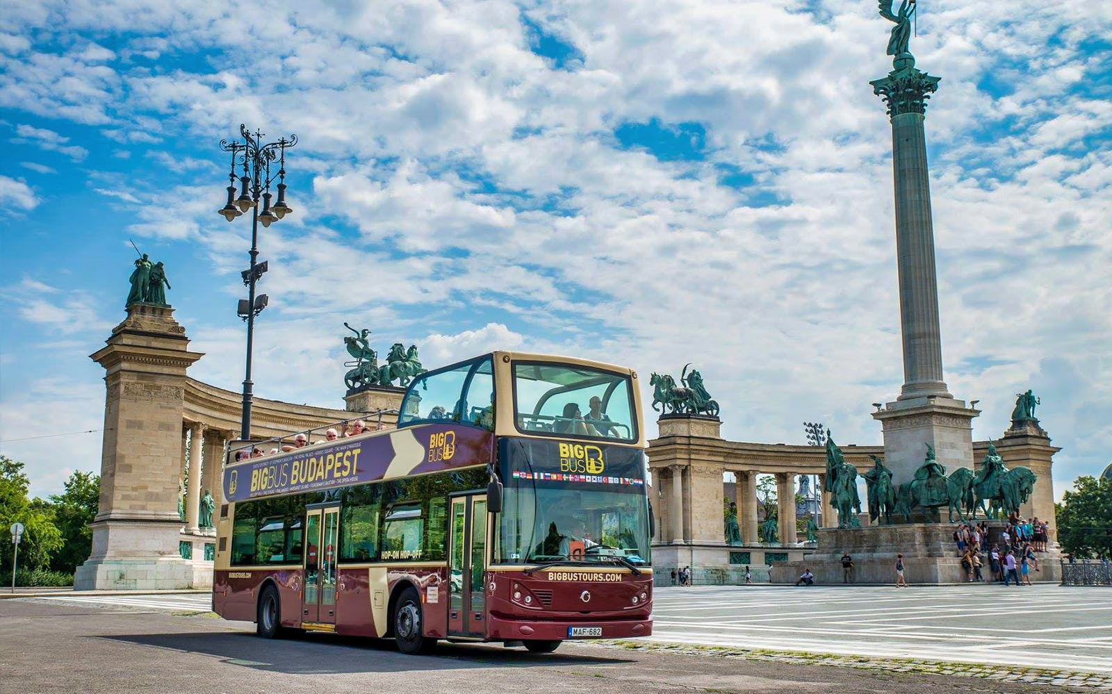 budapest: hop-on hop-off deluxe ticket-4