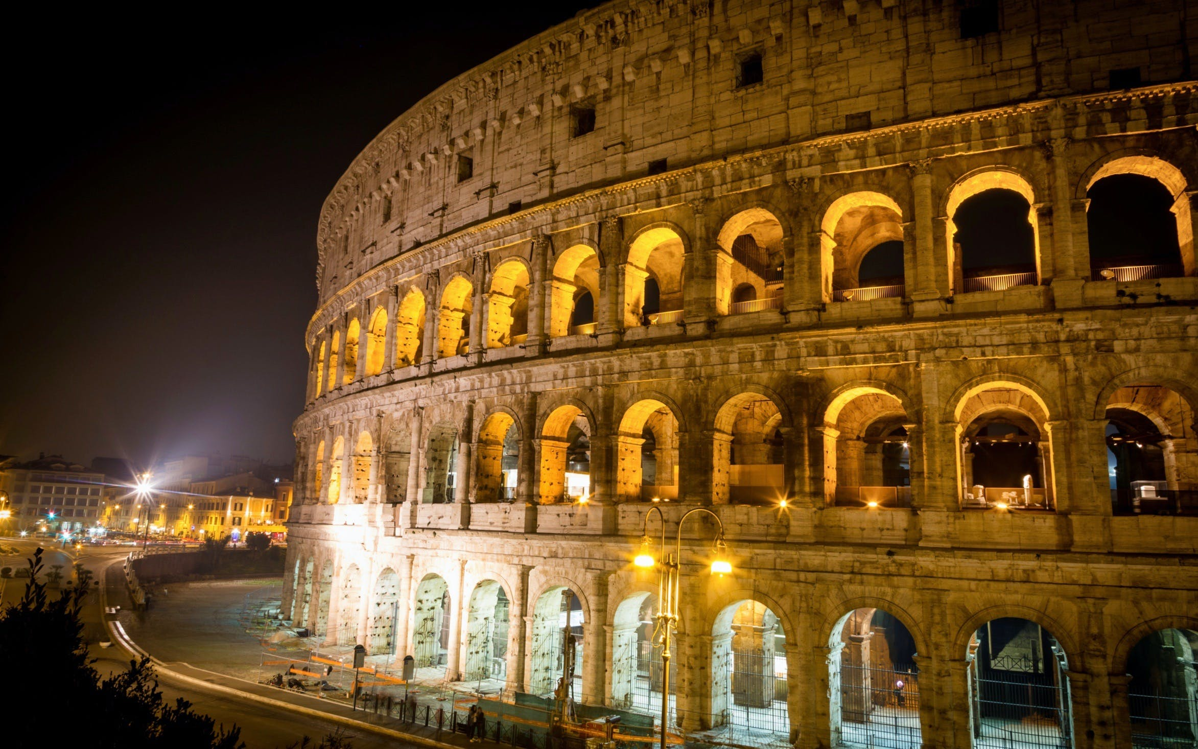 colosseum by night-2