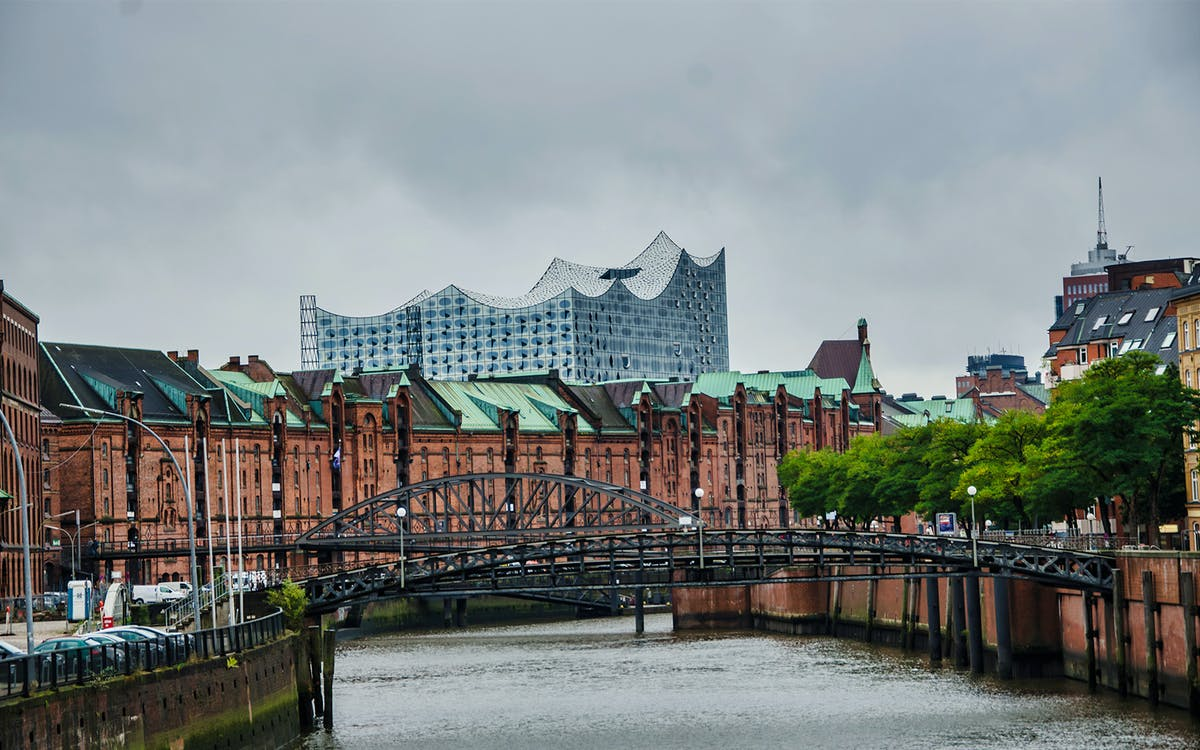 guided tour of elbphilharmonie - from scandal to architectural wonder-5