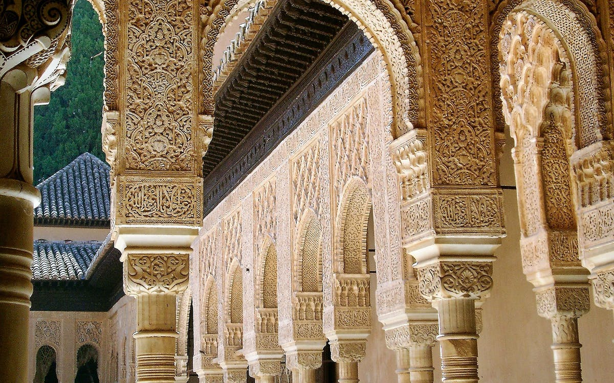skip the line: alhambra & nasrid palaces guided tour-3