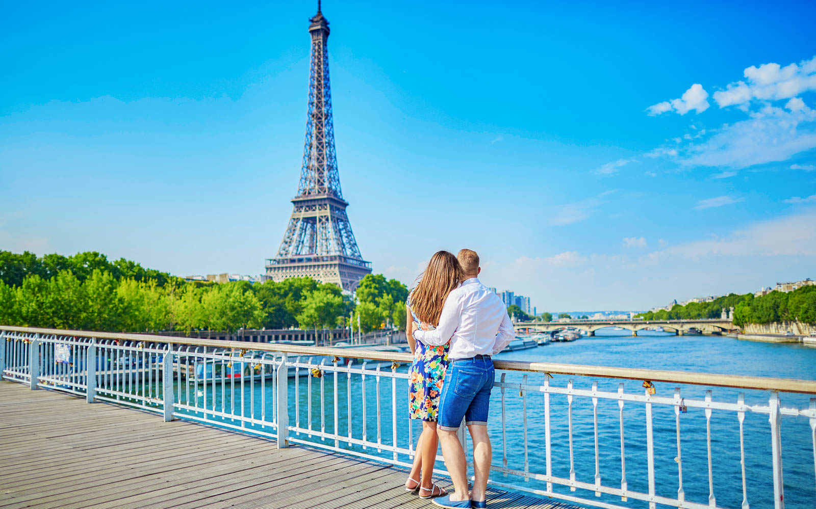 All About Visiting The Eiffel Tower Summit & Second Floor – Enjoy Steller Views of Paris