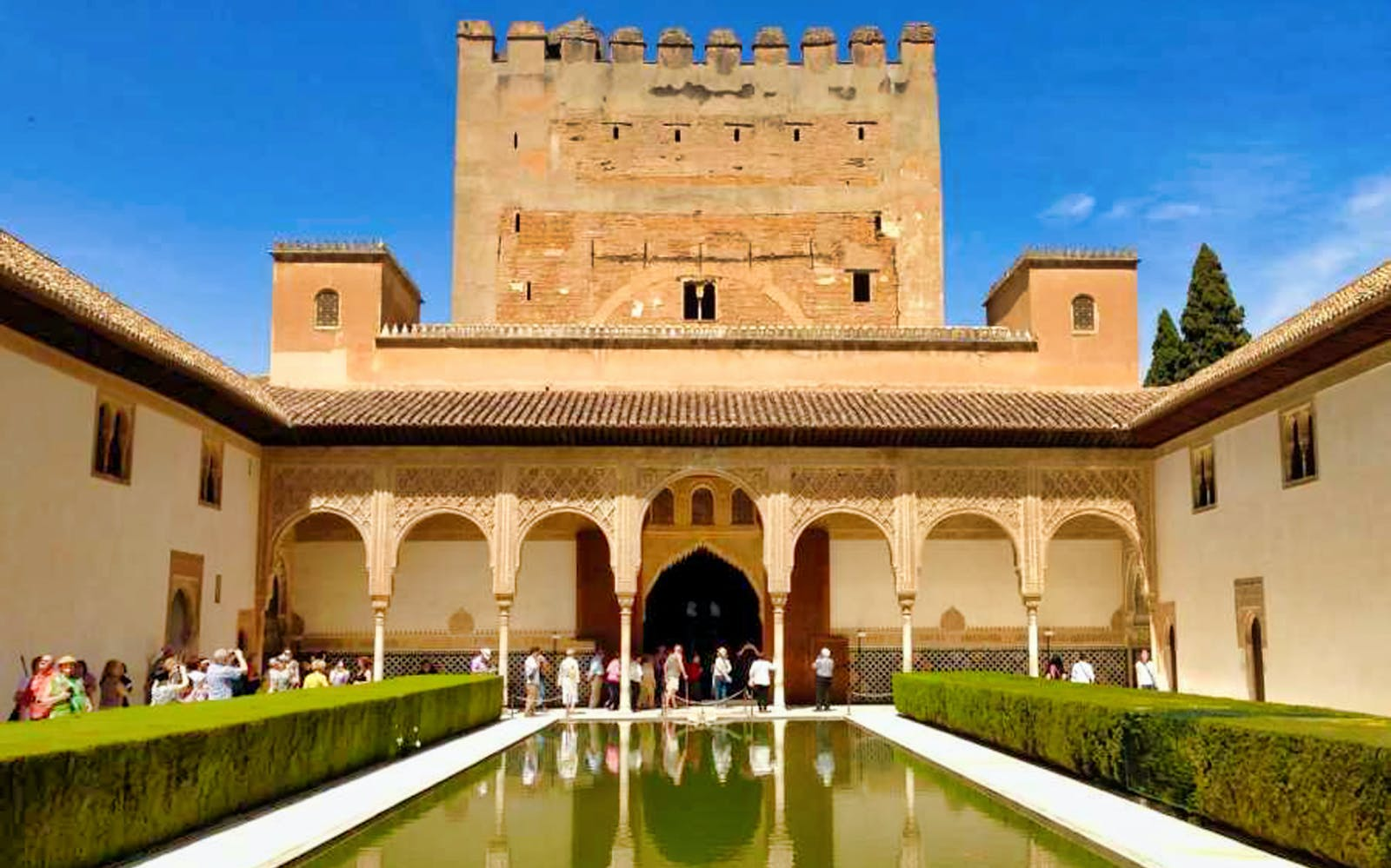 skip the line: alhambra, albaicin and nasrid palaces tour-3