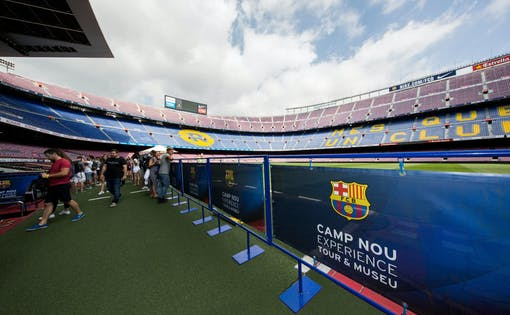Interaktive Tour durch den Camp Nou mit Virtual Reality & multimedialem Audioguide