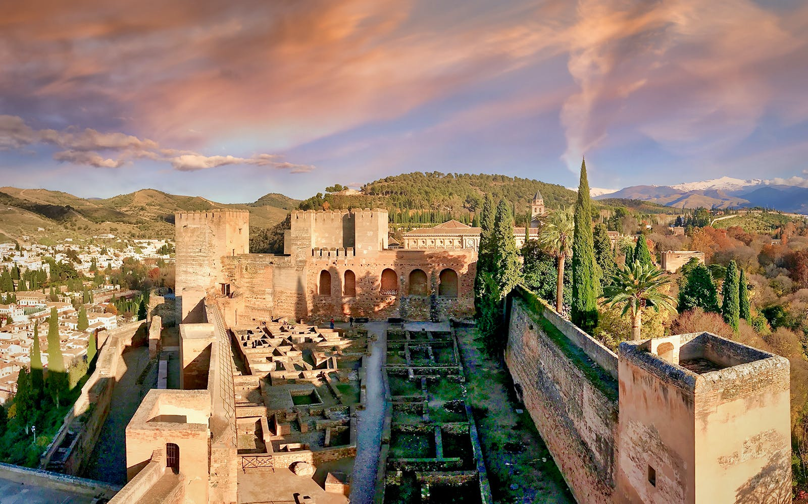 guided tour: alhambra, nasrid palaces, alcazaba and generalife gardens-4