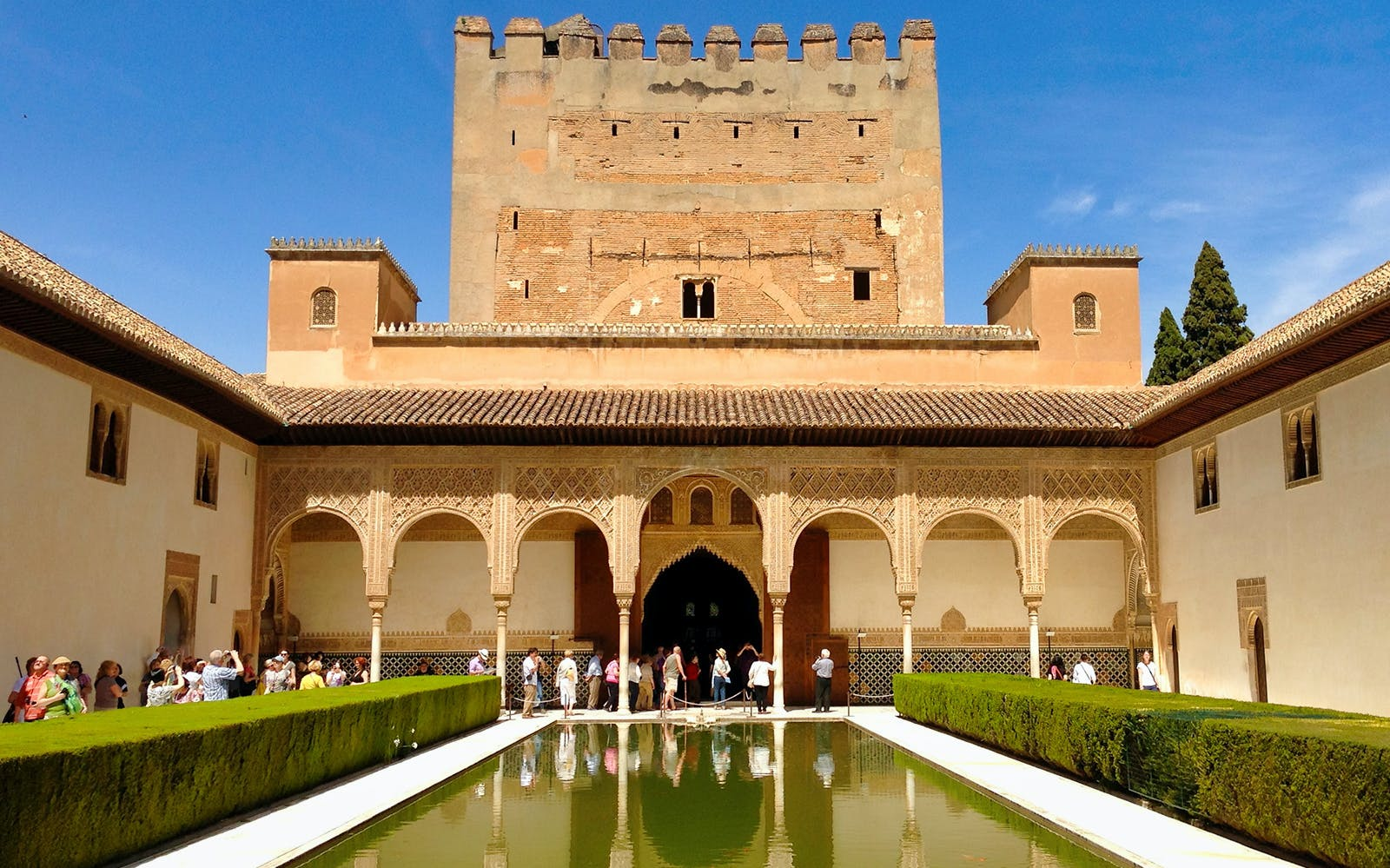 guided tour: alhambra, nasrid palaces, alcazaba and generalife gardens-5