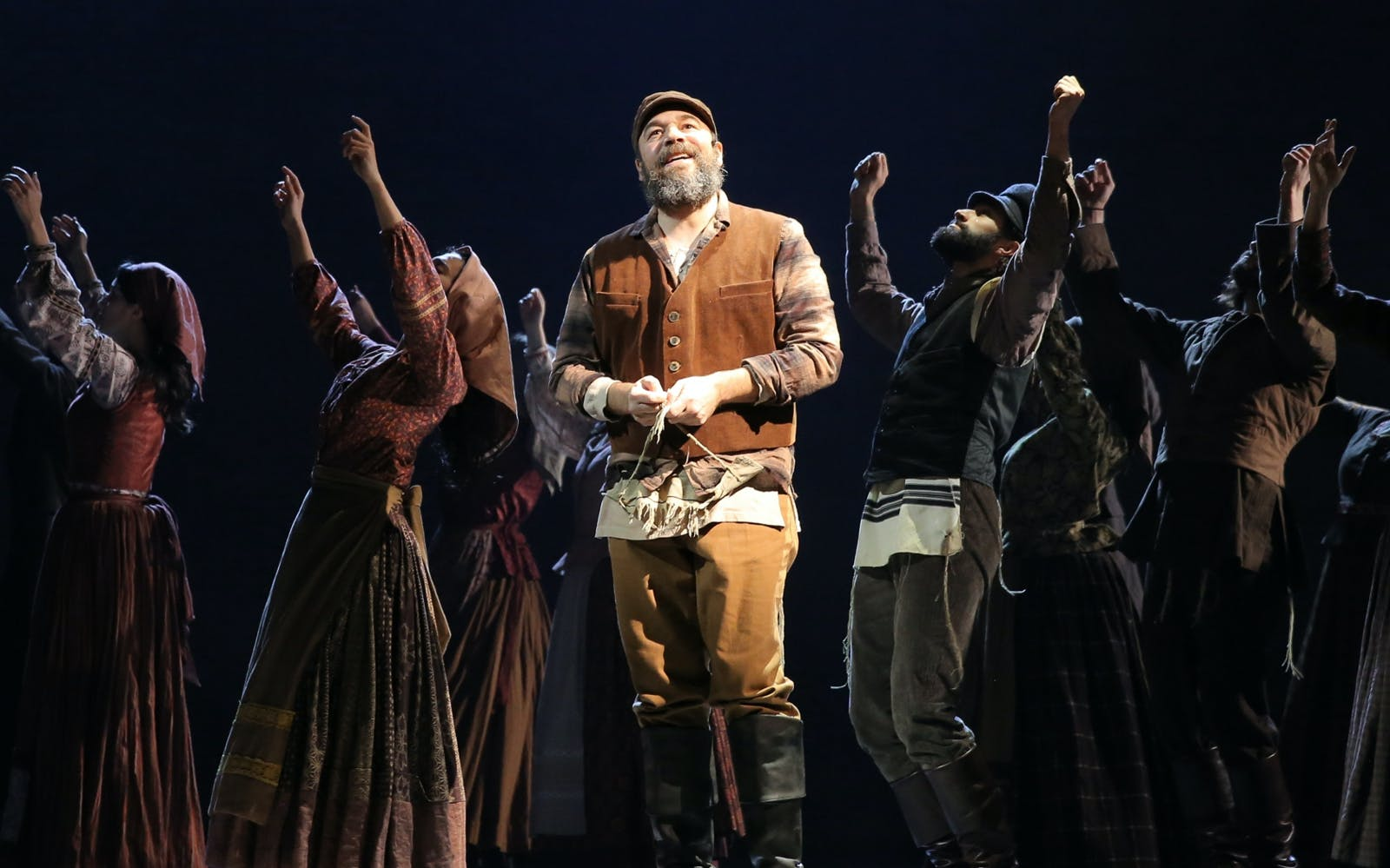 fiddler on the roof (in yiddish)-2
