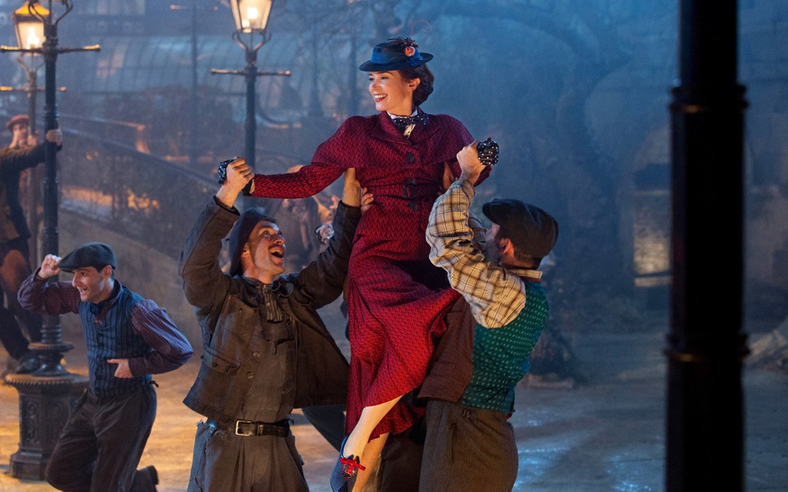 Cca47fd6 0c4f 437f a505 6fd48e722f92 10051 london mary poppins 02