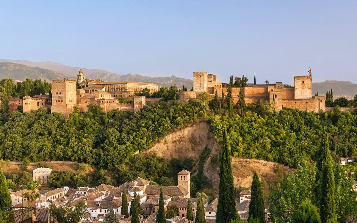 guided tour to alhambra, generalife, alcazaba & nasrid palaces-1