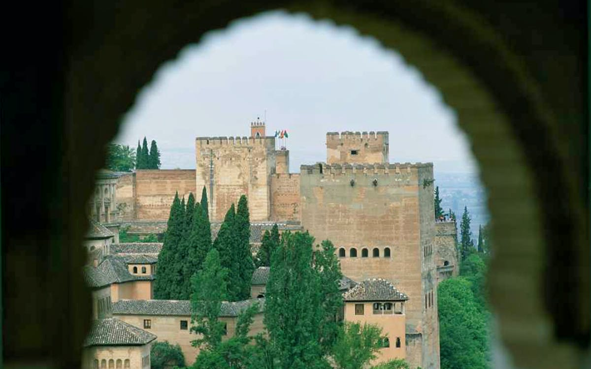 private tour: alhambra, generalife, alcazaba + nasrid palaces-4
