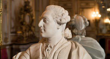 Skip the Line Versailles Palace tour with Exclusive King's Apartments Visit