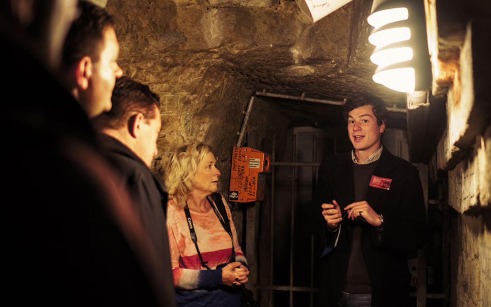 paris-catacombs-tour