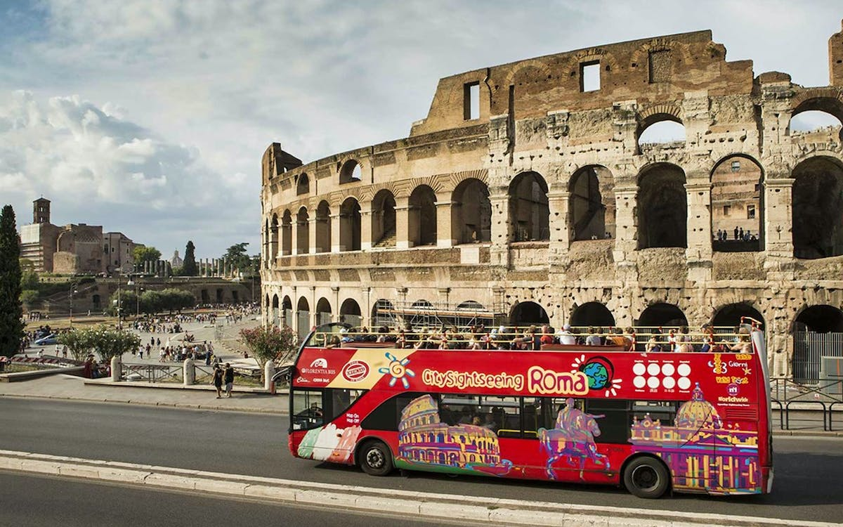 maxi combo: hop-on hop-off+ skip the line to vatican and colosseum tickets-3