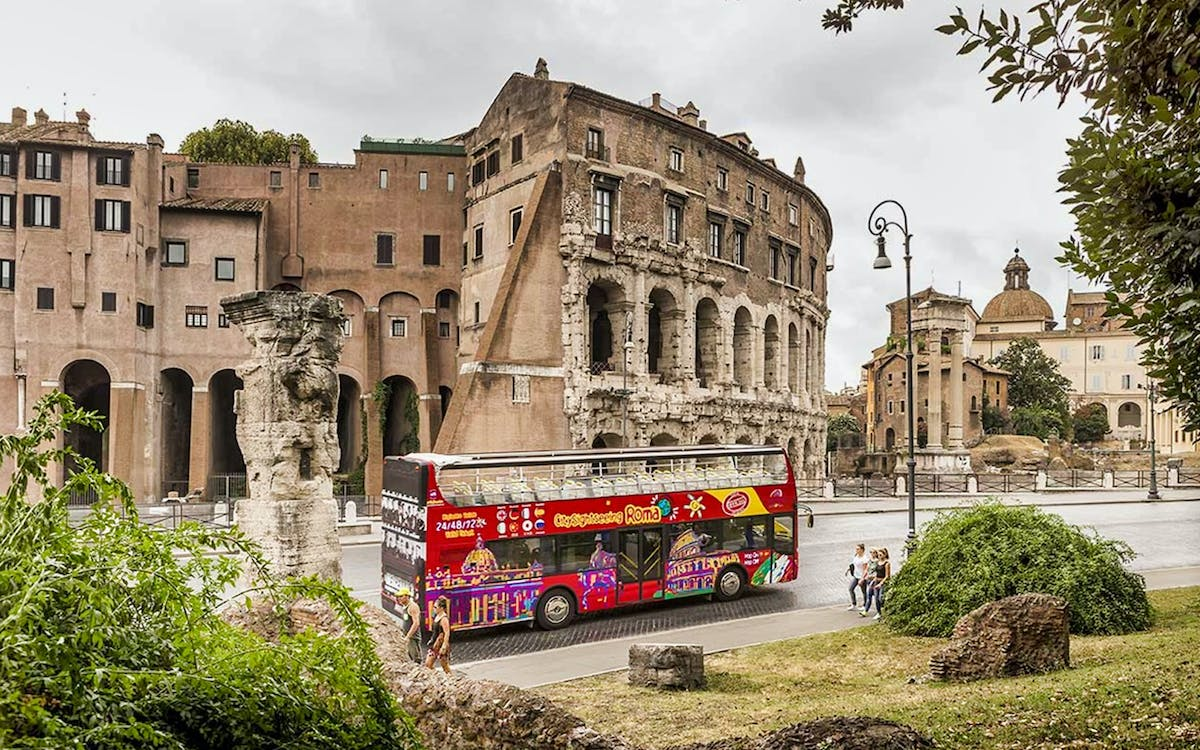 city sightseeing: hop-on hop-off bus tour-2