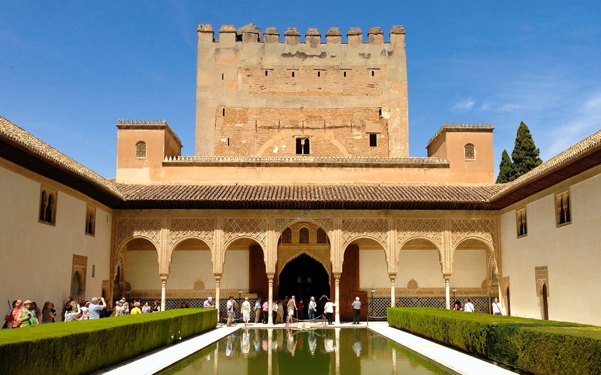 from sevilla : all alhambra skip the line guided tour-1