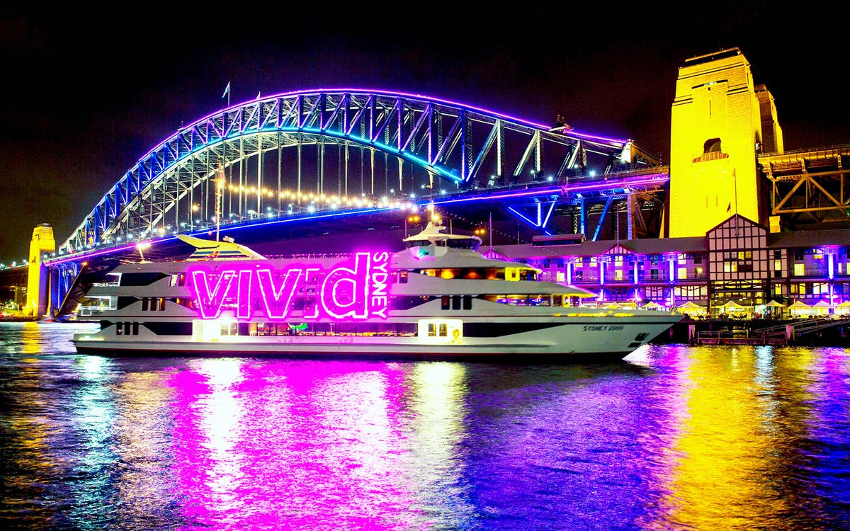 vivid dinner & drinks cruises-1