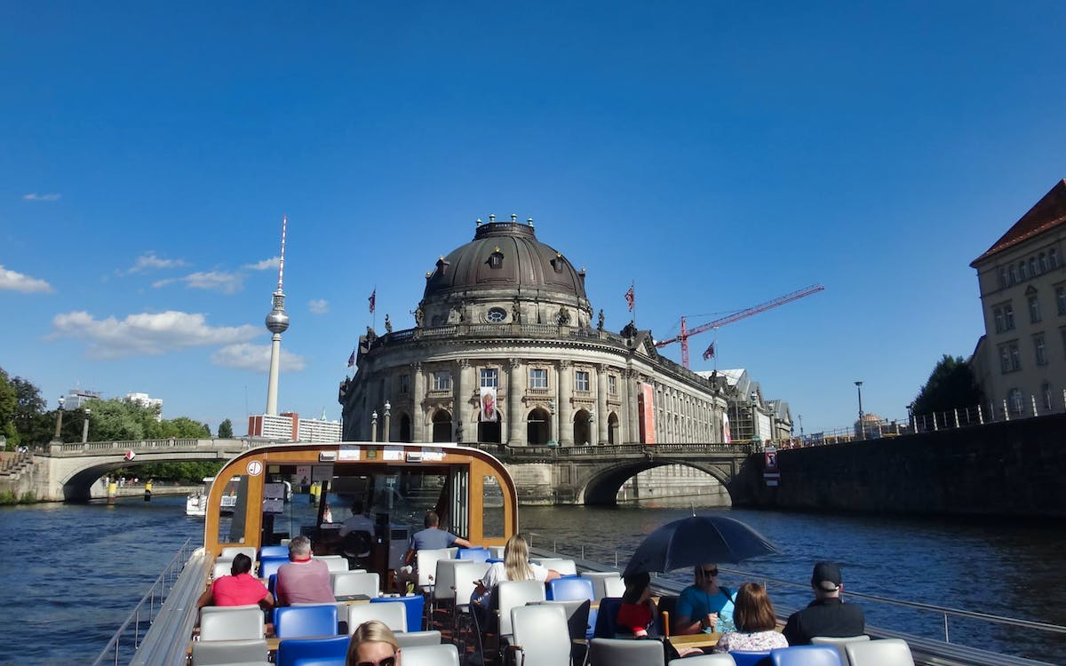 berlin: 1 hour sightseeing cruise on the river spree-0