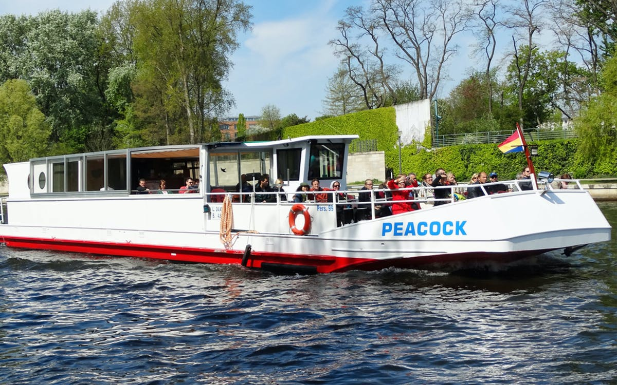berlin: 1 hour sightseeing cruise on the river spree-1