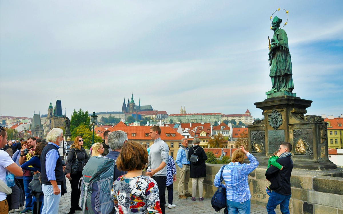 tour 4 charity - see the best of prague-1