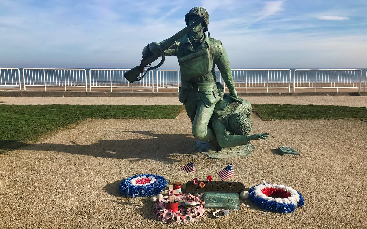 normandy d-day, juno beach & canadian cementery tour from paris -1