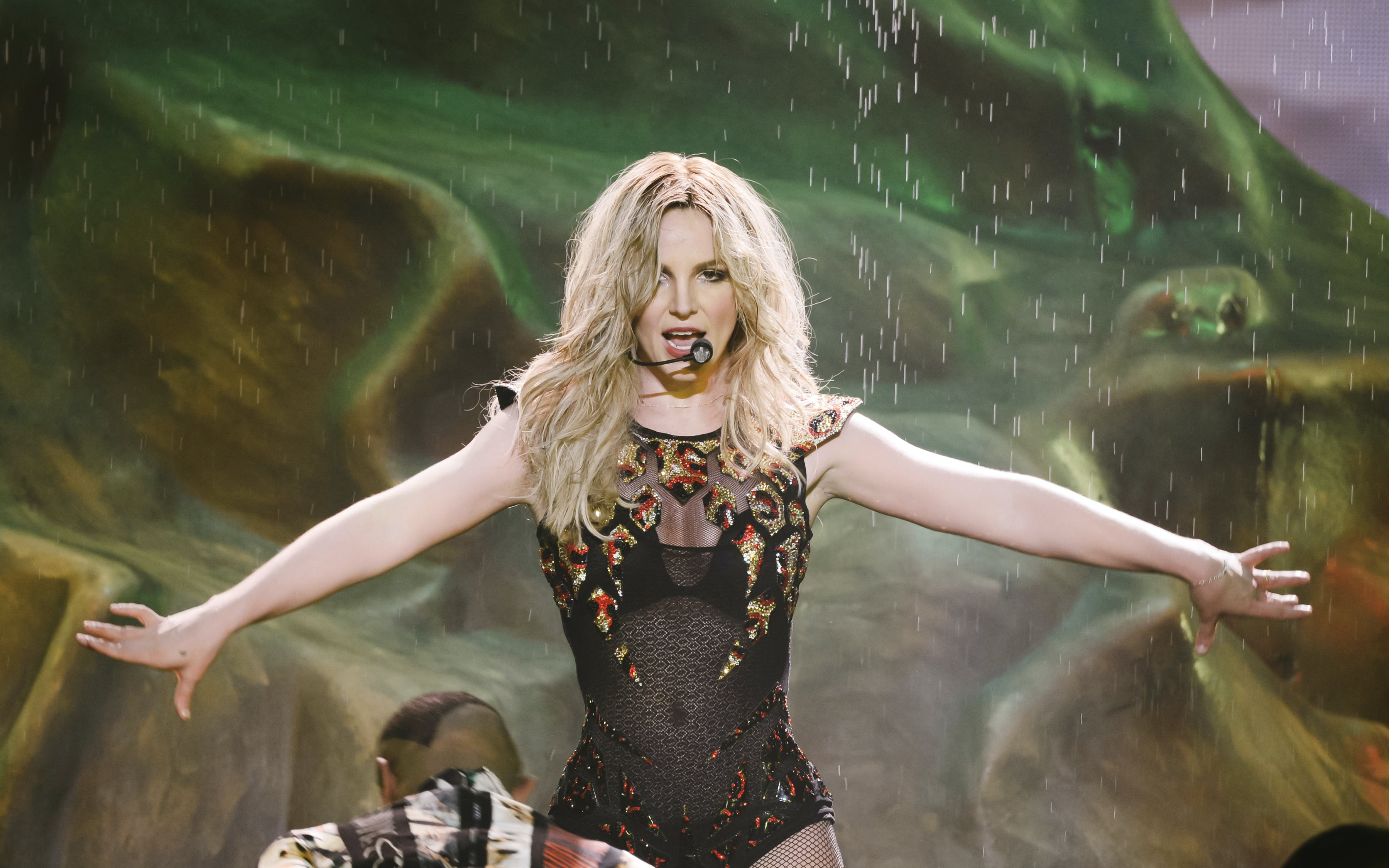 britney spears - live in concert-6