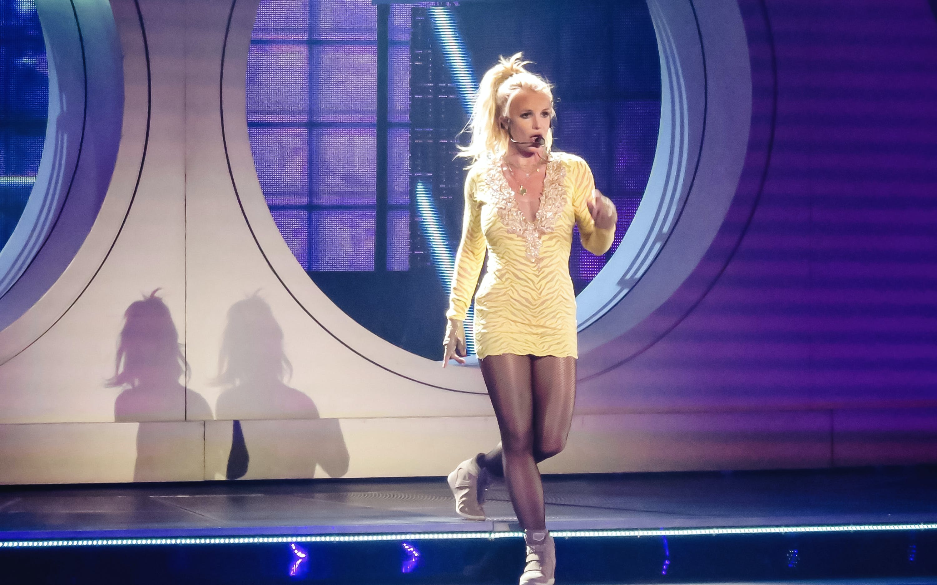britney spears - live in concert-4